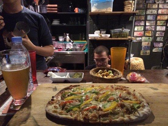 Brew 3.14: Chicken bechemel pizza with Namsan Pilsner beer