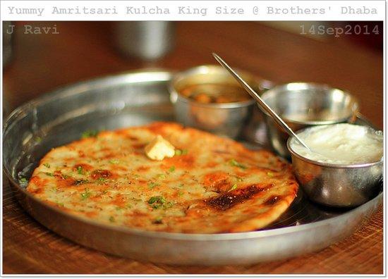 Bade Bhai Ka Brothers Dhaba: Same special Amritsari kulcha king size after 3 years!