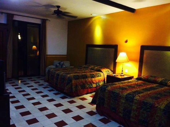 Luz En Yucatan : Poolside room