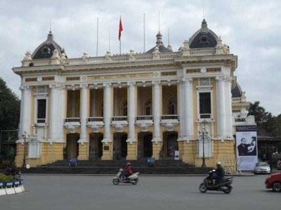 Hanoi Opera House: Front