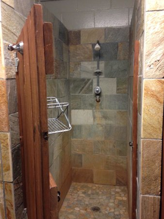 White River Campgrounds: Nice showers