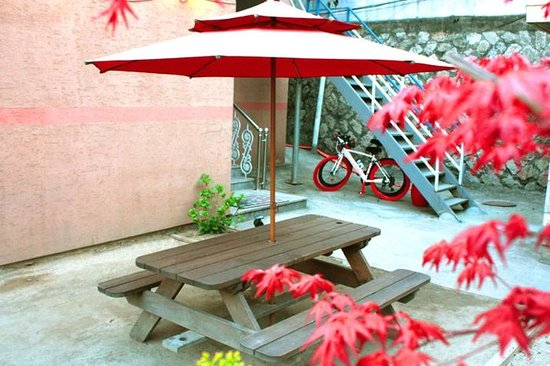 Itaewon Backpackers: garden_itaewon guesthouse