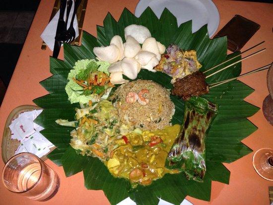 Apa Kabar Restaurant: Nasi Campur