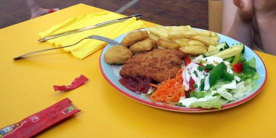 Krausnick, Germany: Piratenschlachtplatte im Tropino Restaurant