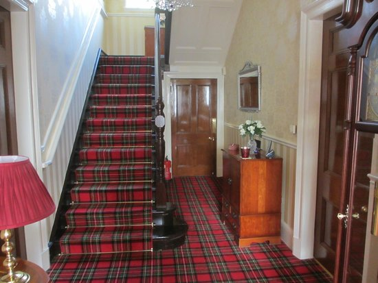 Muirholme B&B: The front hall and stairs