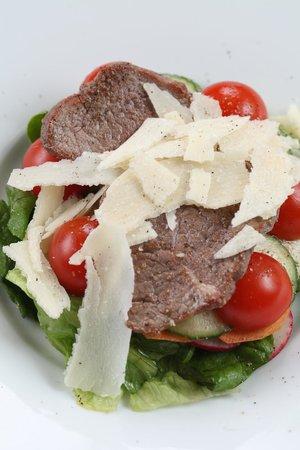 Cafe Michel: Острый салат с говядиной
