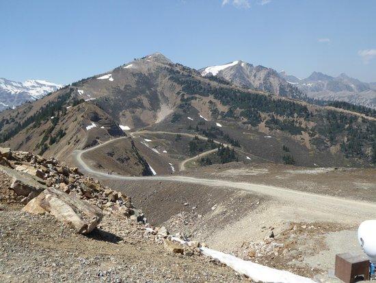 Eagle's Eye Restaurant - Kicking Horse Mountain Resort: more views