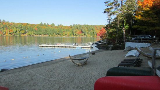 Motel Long Lake and Cottages: View from beach