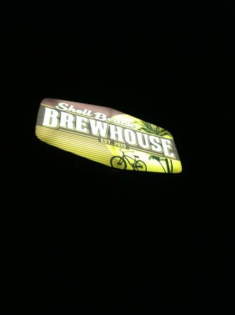Shell Beach Brewhouse : Sign Outside