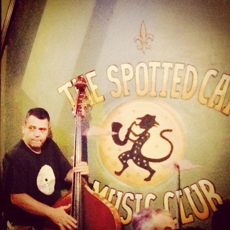 The Spotted Cat Music Club : Atmospheric