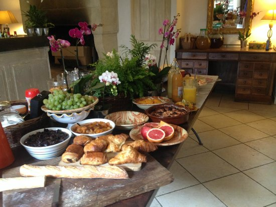 Sous L'olivier: breakfast buffet