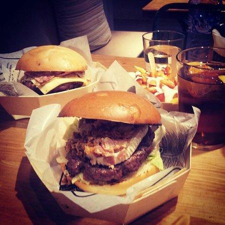 La Burguesa : burger queso cabra