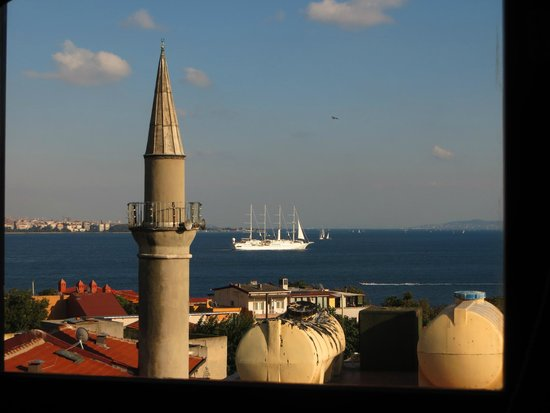 Dersaadet Hotel Istanbul : View from the Sultan Suite over the Sea of Marmara