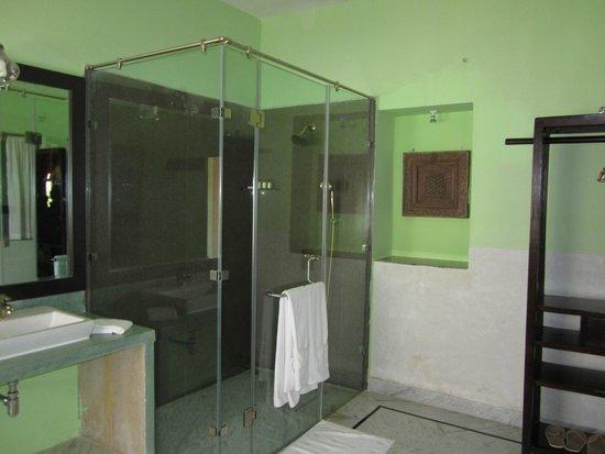 The Gulaal : Excellent bathroom