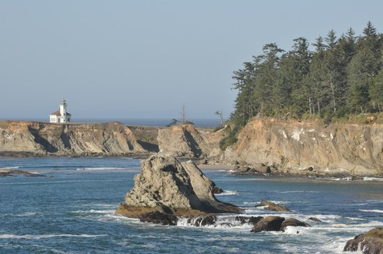 Cape Arago Lighthouse: Lighthouse from viewpoint near campground
