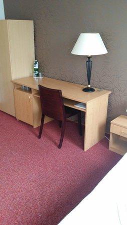 Hotel Brixen Prague: Pokoj posezení