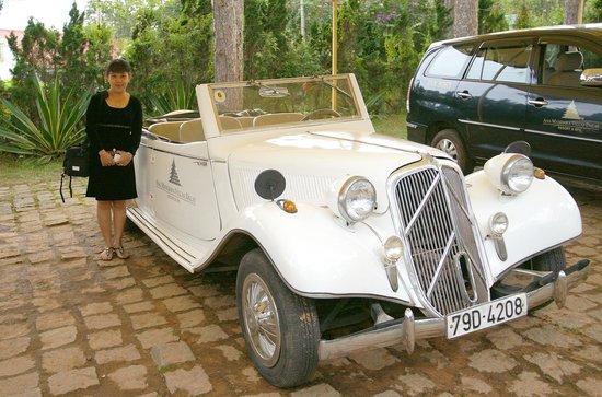Ana Mandara Villas Dalat Resort & Spa: Old car .