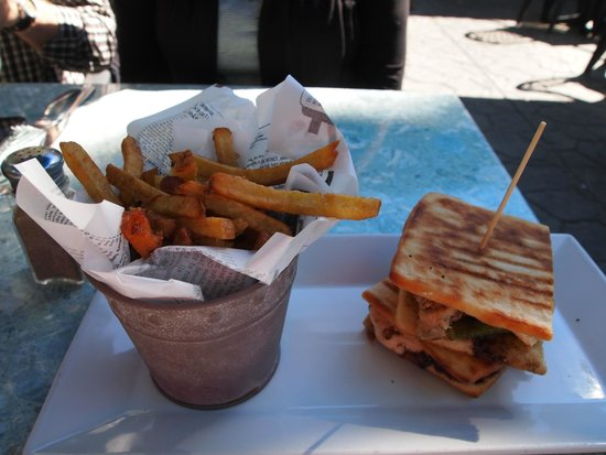 The Bruce Steakhouse : Half Portion of Sandwich & Fries