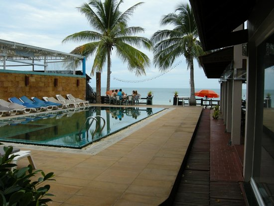 Malibu Koh Samui Resort & Beach Club: Бассейн