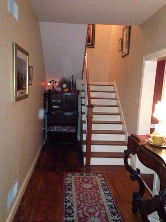 Tillie Pierce House Inn: Stairs to the bedrooms