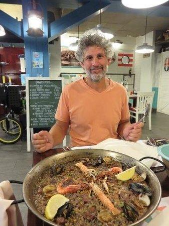 El Nou Ramonet: Ron and seafood paella