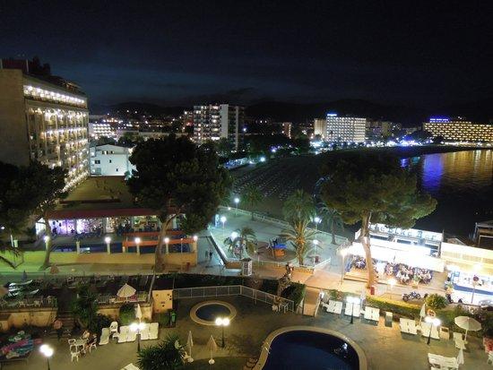FERGUS Tobago: Pool and Palma Nova at night