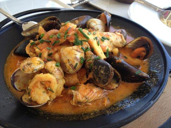 Mia Mensa Kurucesme : A mixed seafood dish