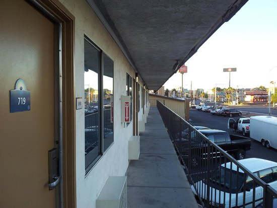 Days Inn Las Vegas At Wild Wild West Gambling Hall : Hotel