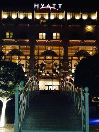 Grand Hyatt Muscat : Bei Nacht