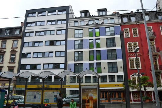 Hotel Europa Life: FACHADA