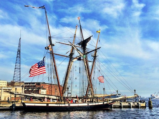 Pride of Baltimore II : BAttle Sail> w/ Lynx