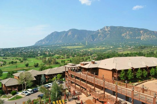 Cheyenne Mountain Resort Colorado Springs A Dolce View From The Restaurant