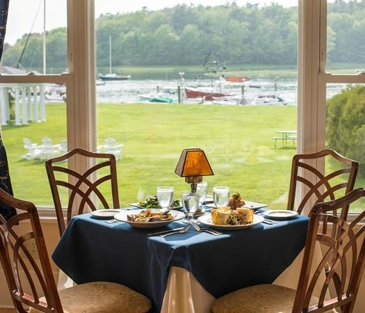95 Ocean at The Nonantum Resort: Waterfront dining on the Kennebunk River