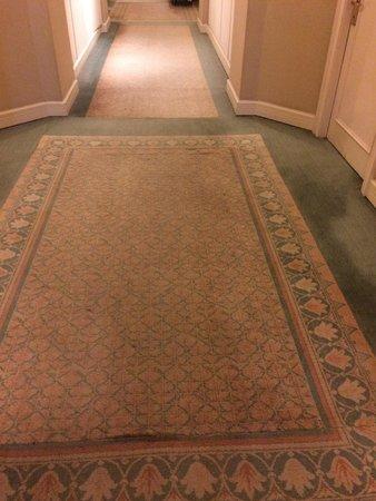 Crowne Plaza Hotel Jakarta: Corridor carpet