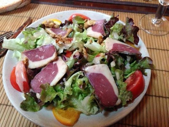Le Roc du Berger : salade de magret de canard aux noix