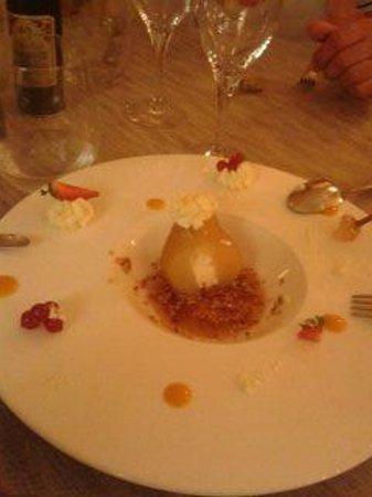 Moulin de Vernègues - Châteaux Hôtels Collections : dessert a la poire crepitente dans la bouche pure delice