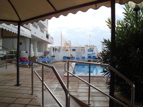 Apartamentos Casa Luis : Casa Luis pool