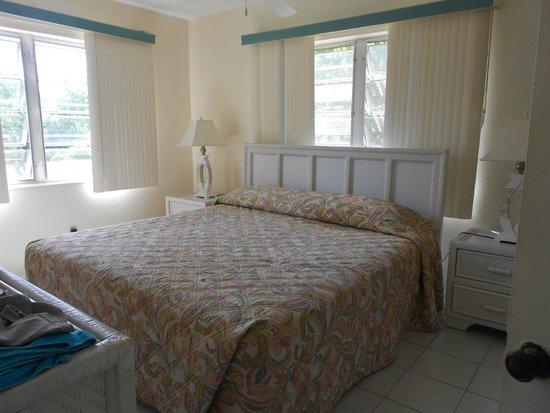 Island Resort and Golf Club: master bedroom