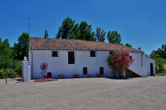 Finca Retama Farmstead: Finca Retama 3bed Farmhouse Apartment is the top half of this original andaluz farmhouse.