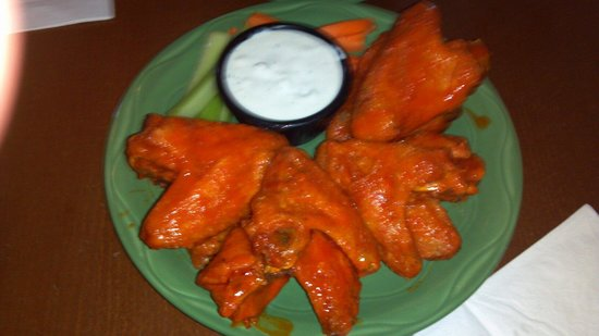 Delaney's Hole in the Wall: Chicken wings
