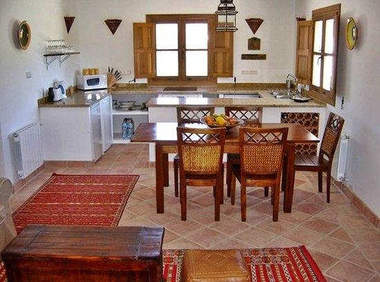 Villa Casa Abuela Kitchen/Dining room