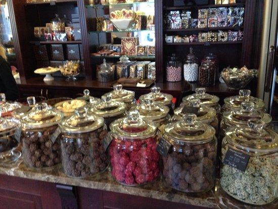Emils Gustavs Chocolate: Truffles