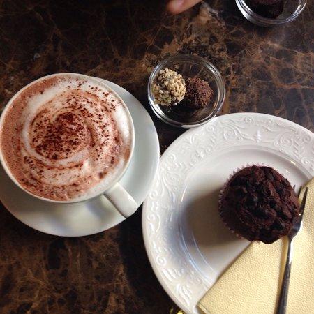 Emils Gustavs Chocolate: Kakao, muffins og trøfler
