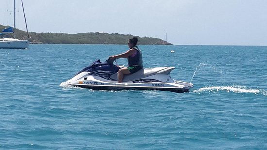 Blue Rush Water Sports And Jet Ski Rentals Inc. : fun & safe
