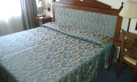 Hotel Federico II - Central Palace : letto