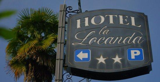Hotel La Locanda : From the main road