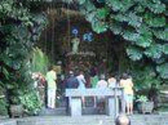 Itauna, MG : Altar da Gruta Nossa Senhora de Itaúna