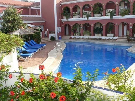 Hotel Los Arcos : zwembad van het hotel