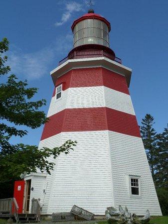 Nova Scotia Museum of Natural History: Seal Island Light Museum