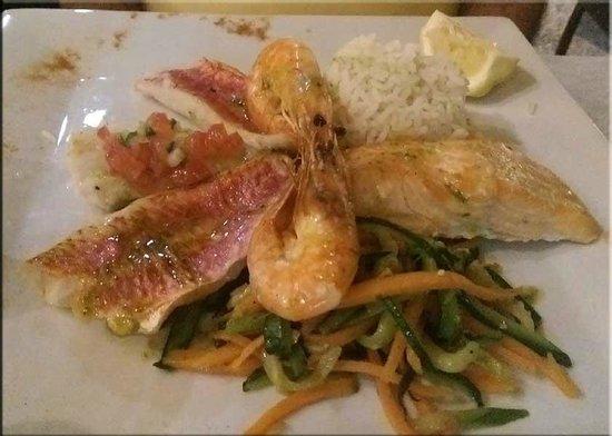 Le lodge : Parillada (grilled fish and shrimp)